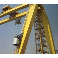 China Frequency Control Construction Man Lift , Hoist Elevator Lift For Crane Operator on sale