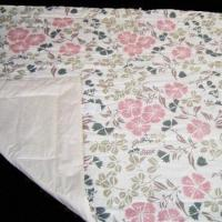 China Soft Quilt with Silk Cotton Filling, Available in Size of 150 x 210cm on sale