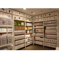 China Garment Shop Metal Shelving Units With Wood Shelves 25mm Melamine MDF Board on sale