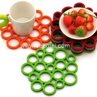 China Heat Resistant Circular Bubble Shape Heat Proof Mat Kitchen Table Silicone Mat/Pad on sale