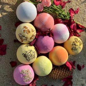 China Natural Relaxing Bath Salts Custom Bubble Colors Vegan Organic Fizzy Bath Bombs on sale