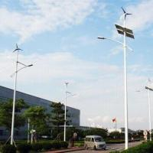 China Solar/Wind Hybrid Streetlight, 100W LED, 300W Wind Turbine, 24V/200Ah Battery and 300W Solar Panel on sale