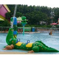 China Exciting Fiberglass Crocodile Spray Water Equipment For Children Play In Splash Park on sale