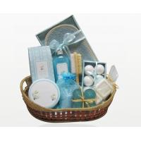 Best Natural Customized Spa Bubble Bath Gift Set in Basket with 300g Bath Salt for Women wholesale