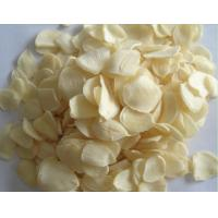 Best Factory supply Wholesale Reduce Blood Pressure Dehydrated pure yellow Garlic Flakes Dehydrated Vegetable 20kg per bag wholesale