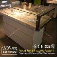 China Manufacturing customized acrylic jewelry display cabinet on sale