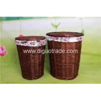 China Handmade wicker laundry basket with lid large and small size on sale