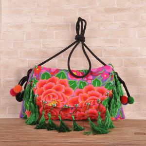 Best Hot sale woman ethnic handbag embroidery messenger bag with tassel wholesale