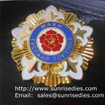 Best Gold enamel lapel pin badges, personalized enamel badge pins made of zinc alloy wholesale