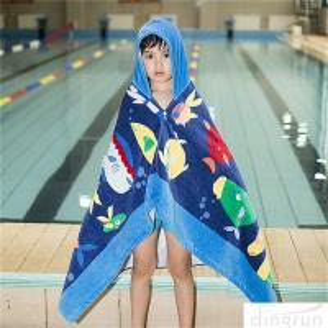 China Hooded Bath Towel for Kids Under Age 7 Bathrobe Beach Hooded Poncho Towel on sale