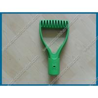 China D grip for farm tool handle, D grip for garden tool handle, green color plastic injection, OEM D grip on sale