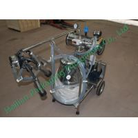 Best Small Cattle Mobile Milking Machine Hand Operated Sucking Milk wholesale