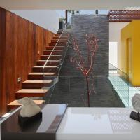 China tempered glass railing invisible stringer stairs with competitive price on sale
