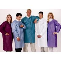 China Buttons Closure Disposable Lab Coats Liquid Repellent For Hospital / Food Industry on sale