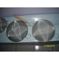 China Wire Mesh Strainer with Wooden Handle on sale