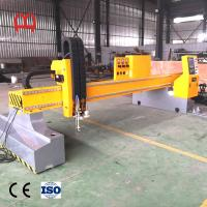 Best Precise Steel Pipe Cutting Machine , CNC Laser Tube Cutting Machine Non Deforming Guide Rail wholesale