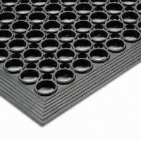 China Anti-slip Door Mat, Made of Rubber, Used in Walking Areas, Measures 3 x 5ft x 1/2 Inches on sale