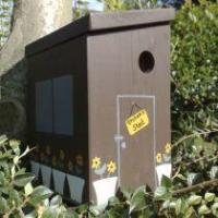 China The Garden Shed Bird Box. Free UK Delivery. on sale