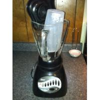 China Appliances Oster Blender and extras on sale